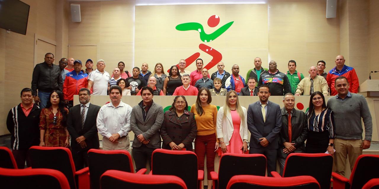 Se reúnen en Villas Tlalpan entrenadores cubanos con el área técnica de la CONADE.