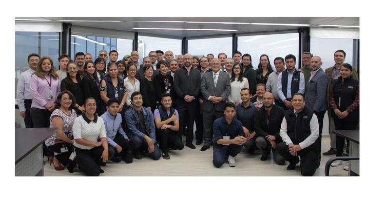 La Agencia Espacial Mexicana (AEM), recibió la visita del primer astronauta mexicano, Rodolfo Neri Vela.