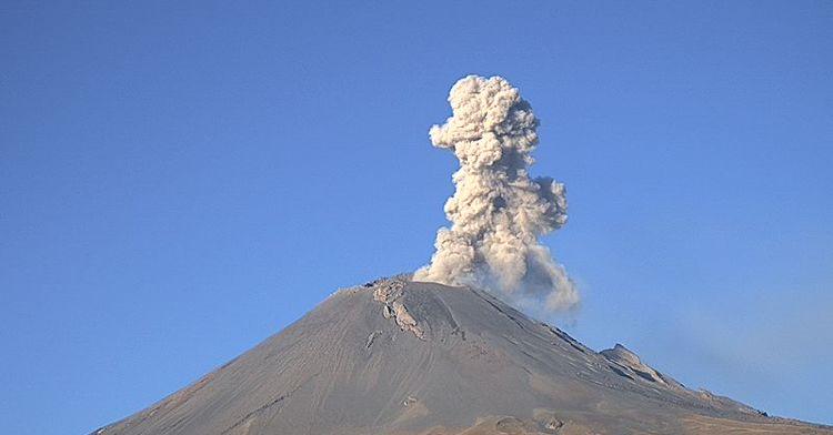 El sistema de monitoreo registró 122 exhalaciones, 475 min de tremor y un sismo volcanotectónico ayer a las 12:10h de magnitud 3.1