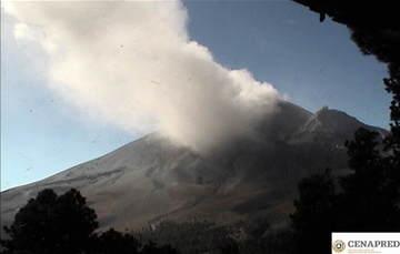 Por medio de los sistemas de monitoreo del volcán Popocatépetl se identificaron 148 exhalaciones y 11 explosiones.