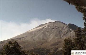 Por medio de los sistemas de monitoreo del volcán Popocatépetl se identificaron 242 exhalaciones,dos explosiones. También se registraron 241 minutos de tremor.