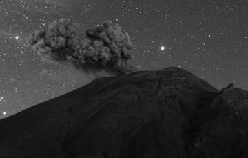 En las últimas 24 horas mediante los sistemas de monitoreo del volcán Popocatépetl se identificaron 150 exhalaciones.