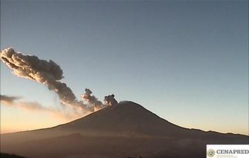 Por medio de los sistemas de monitoreo del volcán Popocatépetl se identificaron 278 exhalaciones y 216 minutos de tremor, algunos de estos eventos estuvieron acompañados por la emisión de gases y ligeras cantidades de cenizas.