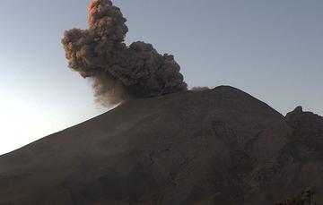 Por medio de los sistemas de monitoreo del volcán Popocatépetl se identificaron 201 exhalaciones y 143 minutos de tremor, algunos de estos eventos estuvieron acompañados por la emisión de gases y ligeras cantidades de cenizas.