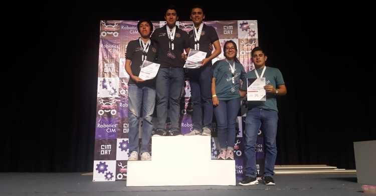 El club de robótica del Campus Poza Rica del TecNM conquistó 16 primeros lugares en el torneo RoboticCIM en la CDMx.