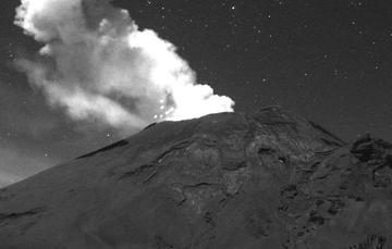 Por medio de los sistemas de monitoreo del volcán Popocatépetl se identificaron 189 exhalaciones, algunos de estos eventos estuvieron acompañados por la emisión de gases y ligeras cantidades de cenizas.