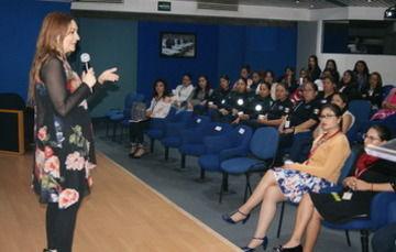En el evento se recalcó la importancia de resolver, como sociedad y como institución, los temas pendientes en materia de equidad, respeto y seguridad de las mujeres.