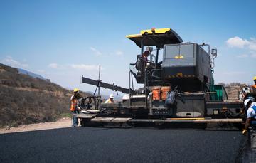 El Gobierno de México ratifica su compromiso de entregar la Autopista en dos años más y así solventar una deuda histórica con Oaxaca y sus habitantes.