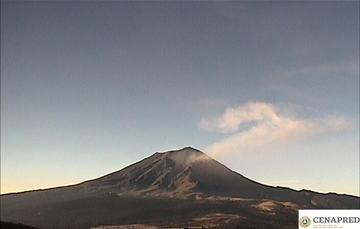 En las últimas 24 horas, mediante el sistema de monitoreo del volcán Popocatépetl se identificaron 117 exhalaciones y 373 minutos de tremor.