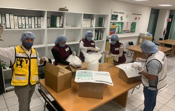 Trabajan empleados de Segalmex-Liconsa para abastecer leche a familias capitalinas