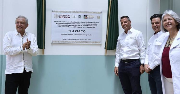 El presidente de México, Andrés Manuel López Obrador, durante la Inauguración del Hospital Rural Tlaxiaco, en Oaxaca.