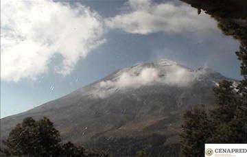 En las últimas 24 horas, mediante el sistema de monitoreo del volcán Popocatépetl se identificaron 137 exhalaciones acompañadas de vapor de agua, gases volcánicos y ligeras cantidades de ceniza.