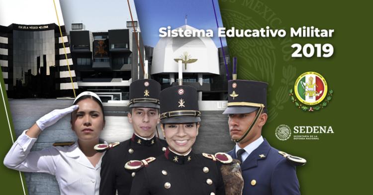 Cadetes del Heroico Colegio Militar.