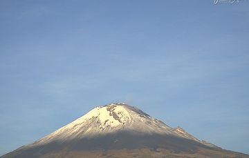 En las últimas 24 horas, mediante el sistema de monitoreo del volcán Popocatépetl se identificaron 28 exhalaciones de baja intensidad, acompañadas de gases volcánicos.