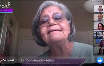 Foto de participantes en la mesa virtual. al centro en pantalla Celia Aguilar Setién.
