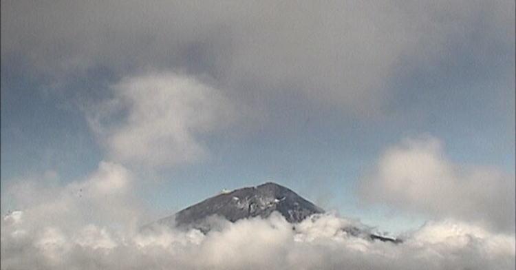 En las últimas 24 horas, mediante el sistema de monitoreo del volcán Popocatépetl se identificaron 82 exhalaciones de baja intensidad, acompañadas de gases volcánicos y en ocasiones de bajas cantidades de ceniza.