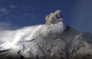 En las últimas 24 horas, mediante el sistema de monitoreo del volcán Popocatépetl se identificaron 85 exhalaciones y 318 minutos de tremor.