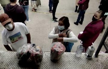 Apoya DICONSA a los adultos mayores y personas con discapacidad de Tlaxcala con venta de la canasta básica a bajo costo