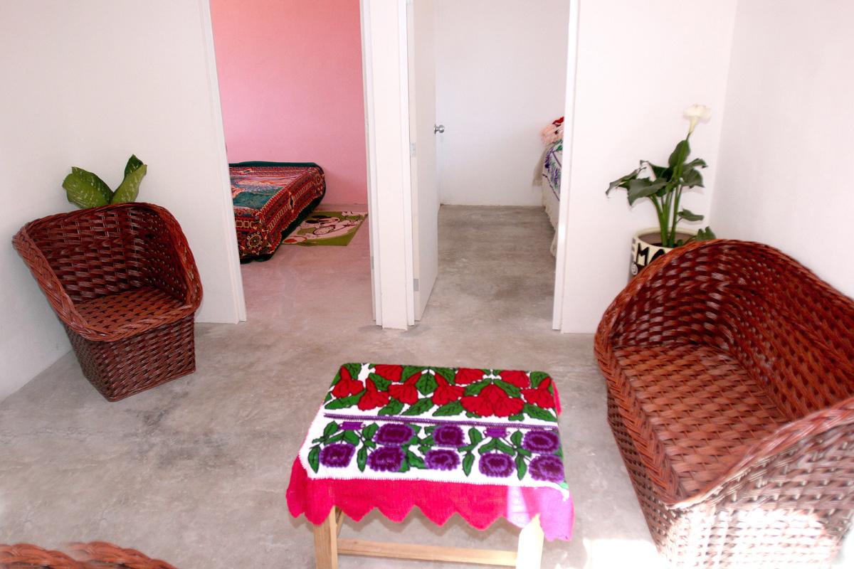 Cuartos rosa para combatir hacinamiento vivienda para for Cuarto mas empresa