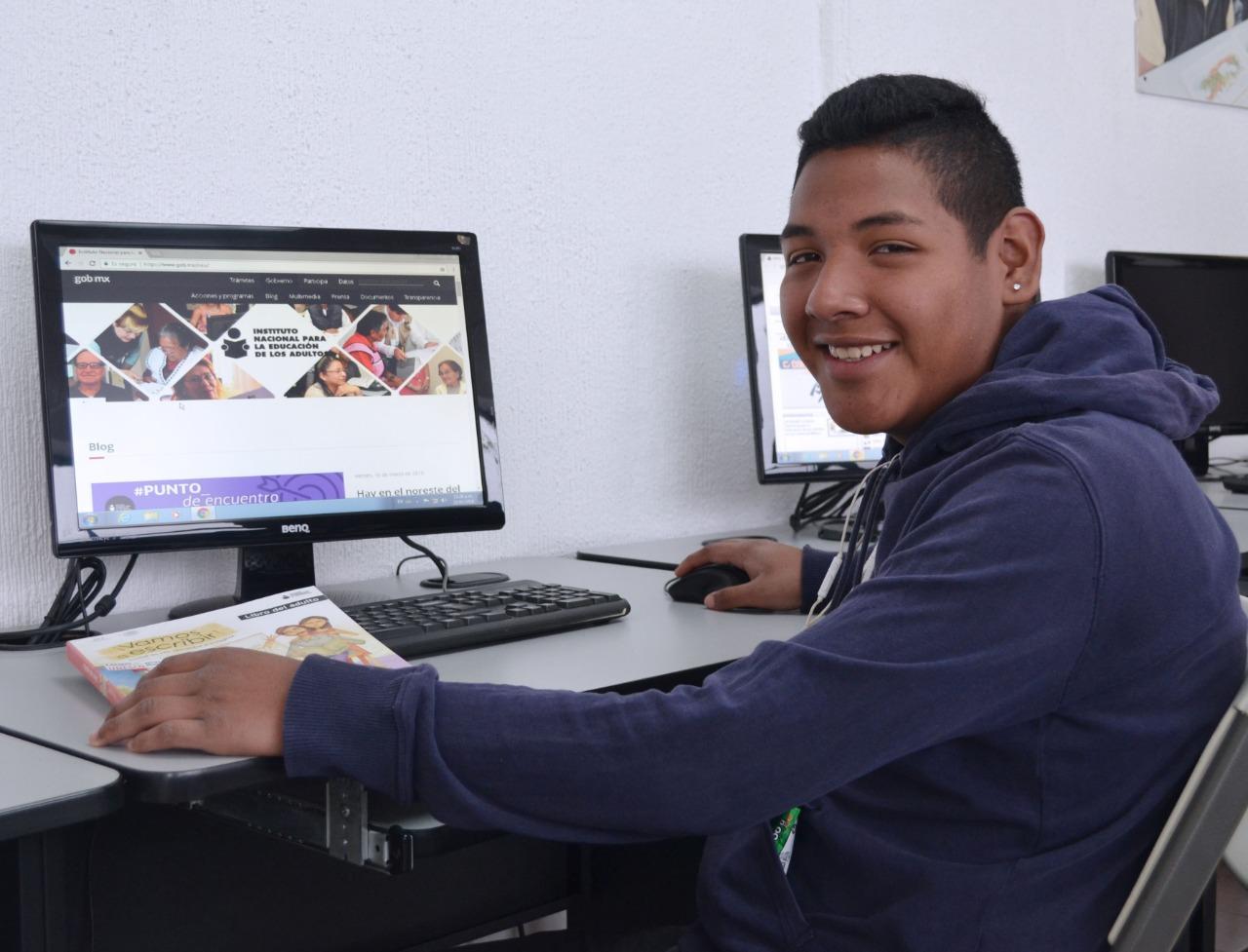 Ofrece INEA la posibilidad de estudiar Primaria y Secundaria en línea a jóvenes y adultos