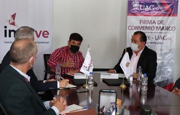 Firma de convenio Imjuve y UAGro.