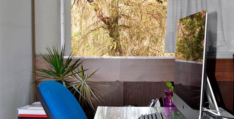 El INEEL continua con reducciones en el consumo de la energía y prioriza el uso de la luz natural en sus oficinas.