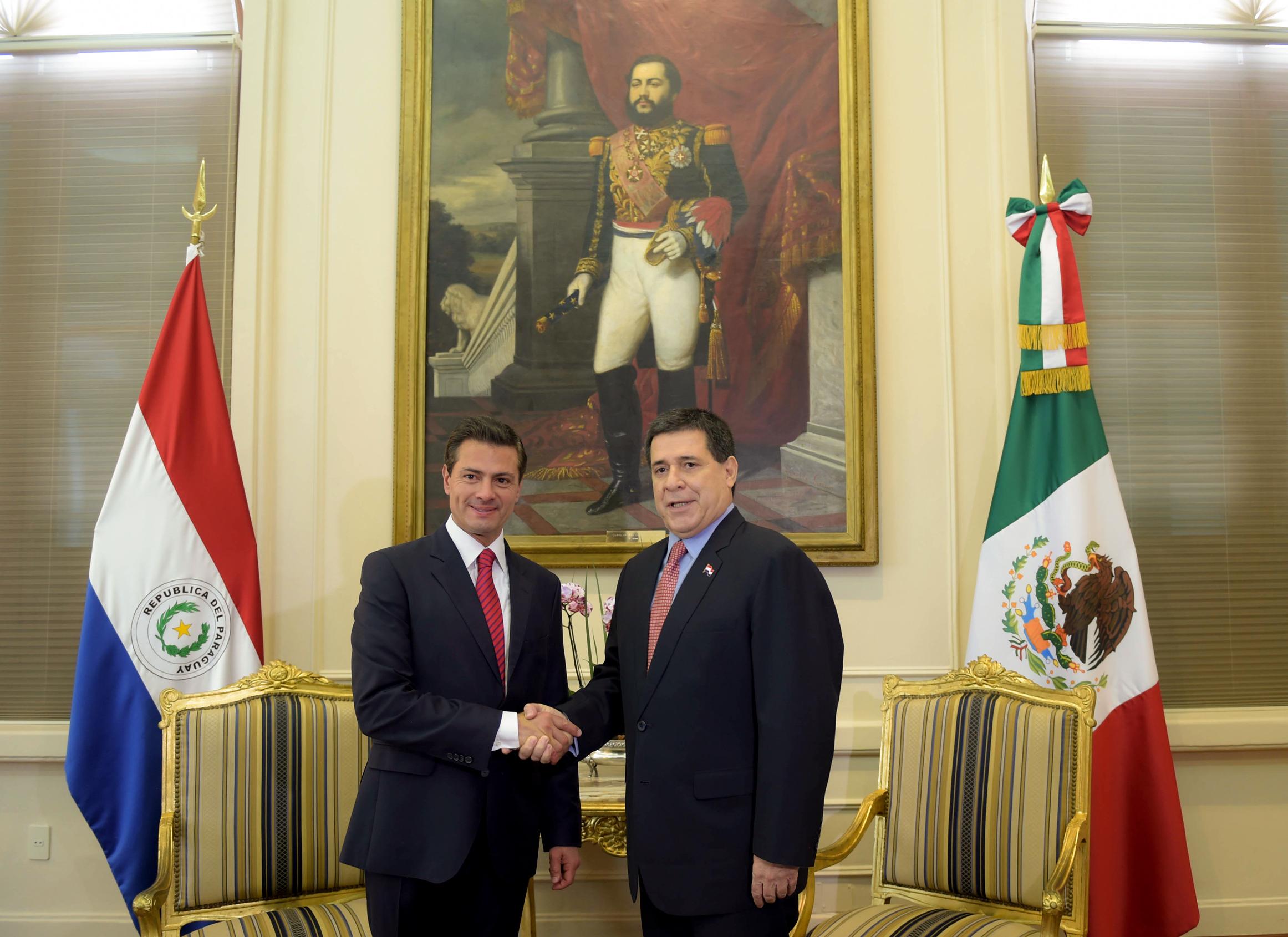 El Presidente de los Estados Unidos Mexicanos agradeció al Pueblo y al Gobierno de la República del Paraguay por la hospitalidad y las cortesías brindadas durante su estadía en este país.
