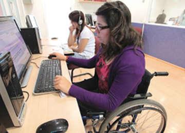 Mujer con discapacidad.