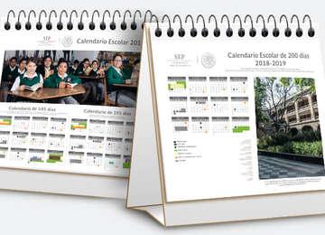 Imagen de dos calendarios escolares