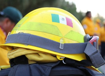 Este documento establece los criterios y estándares para el personal que desee participar en el despliegue al país de Canadá para la supresión de incendios forestales.
