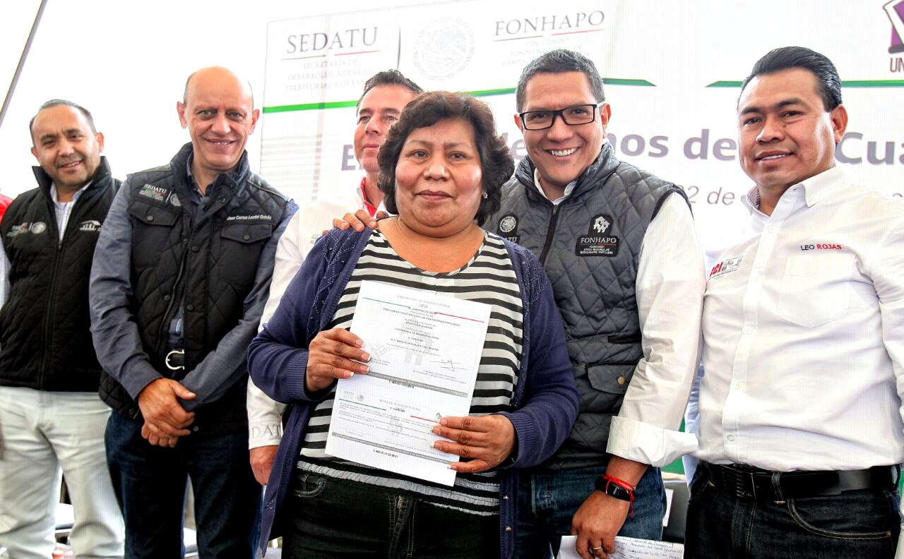 Entrega de bonos un cuarto m s en xonacatepec puebla for Cuarto mas empresa