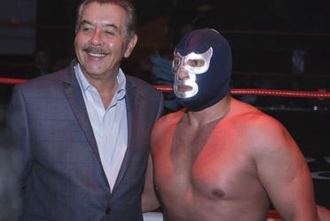 Blue Demon Jr. con Guillermo Hopkins