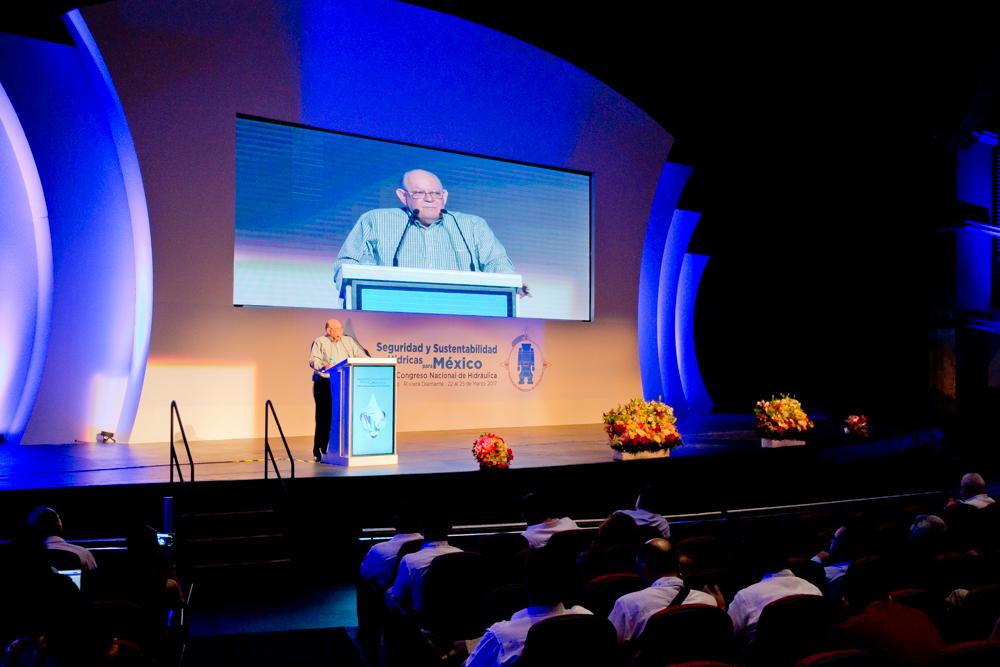Roberto Salmón, Comisionado mexicano de la Comisión Internacional de Límites y Aguas entre México y Estados Unidos