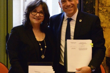 Carlos de Regules y Josée Touchette presidieron el acto protocolario de la signa de Declaración de Cooperación.