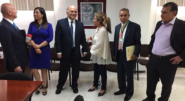 El Director en Jefe del Registro Agrario Nacional, Froylán Rolando Hernández Lara, y Delegados al iniciar labores en la Reunión Nacional de Delegados.