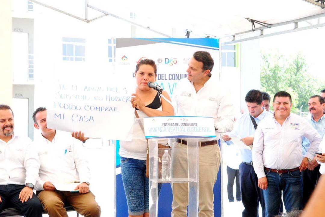 Firma de convenio CONAVI - gobierno del Estado de Durango y entrega de vivienda