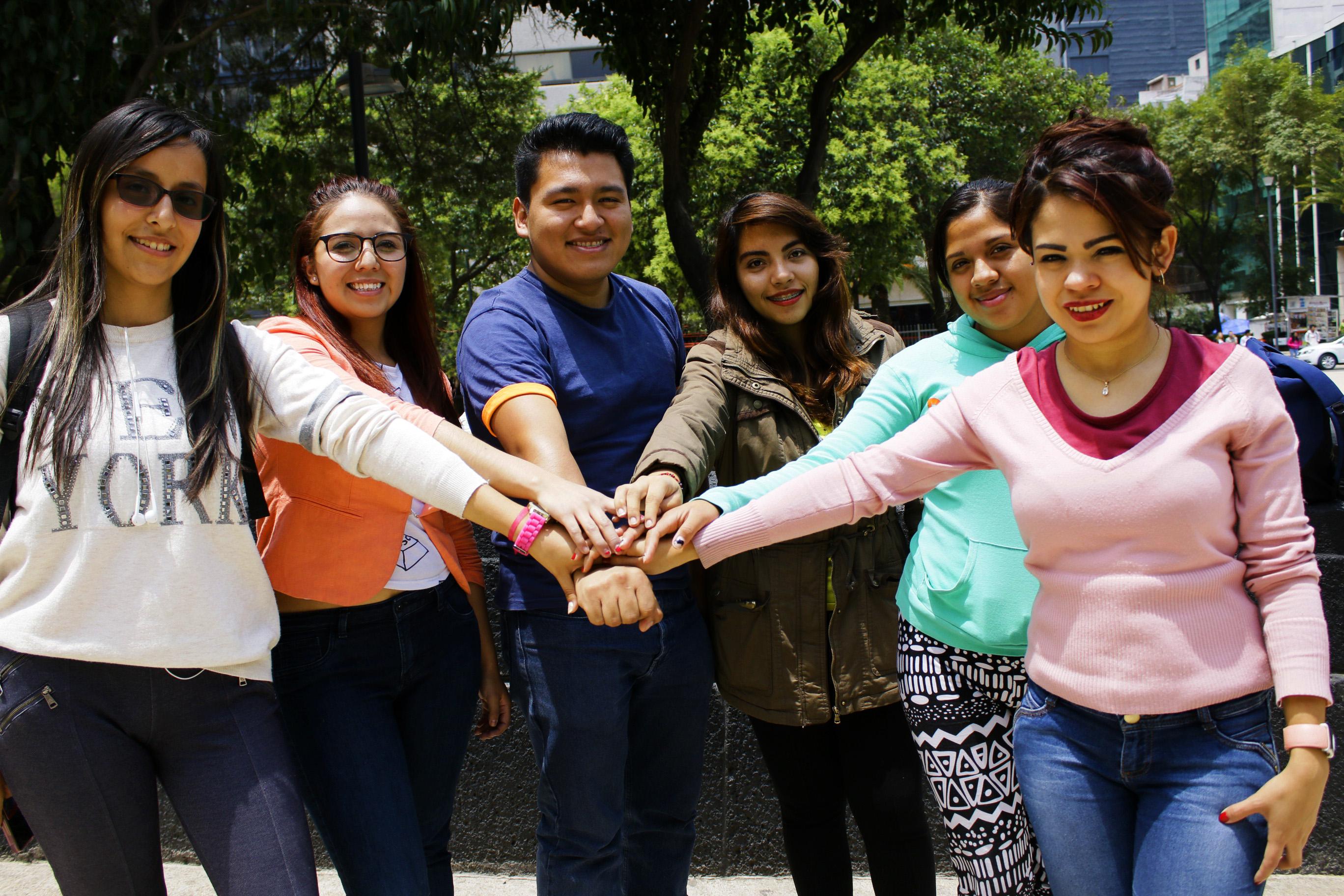 """La Conferencia Mundial de Ministros de la Juventud que se realizó en Lisboa en el año 1998, declaró el 12 de agosto como el """"Día Internacional de la Juventud""""."""