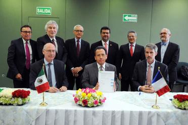 Firma de cooperación IMP-IFP.