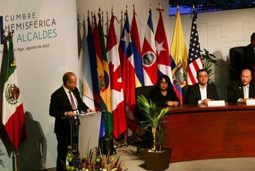 El Director General de Banobras, Alfredo Vara, participó en la XI Cumbre Hemisférica de Alcaldes