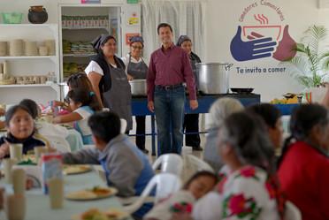En la red de más de 5 mil comedores comunitarios diariamente se sirven más de un millón de comidas.