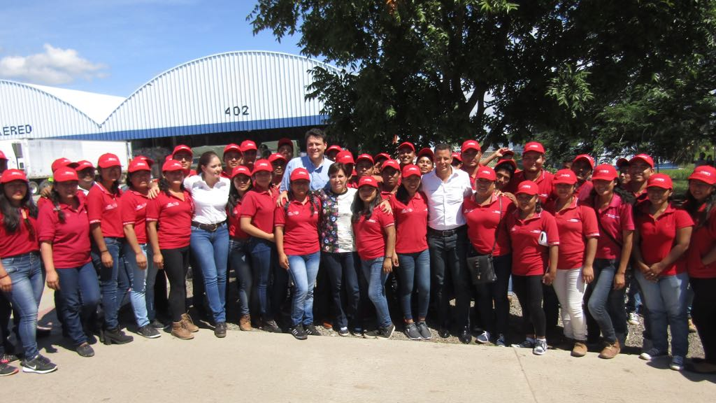 Reconocen Osorio Chong y Rosario Robles compromiso y esfuerzo de jóvenes Conafe.