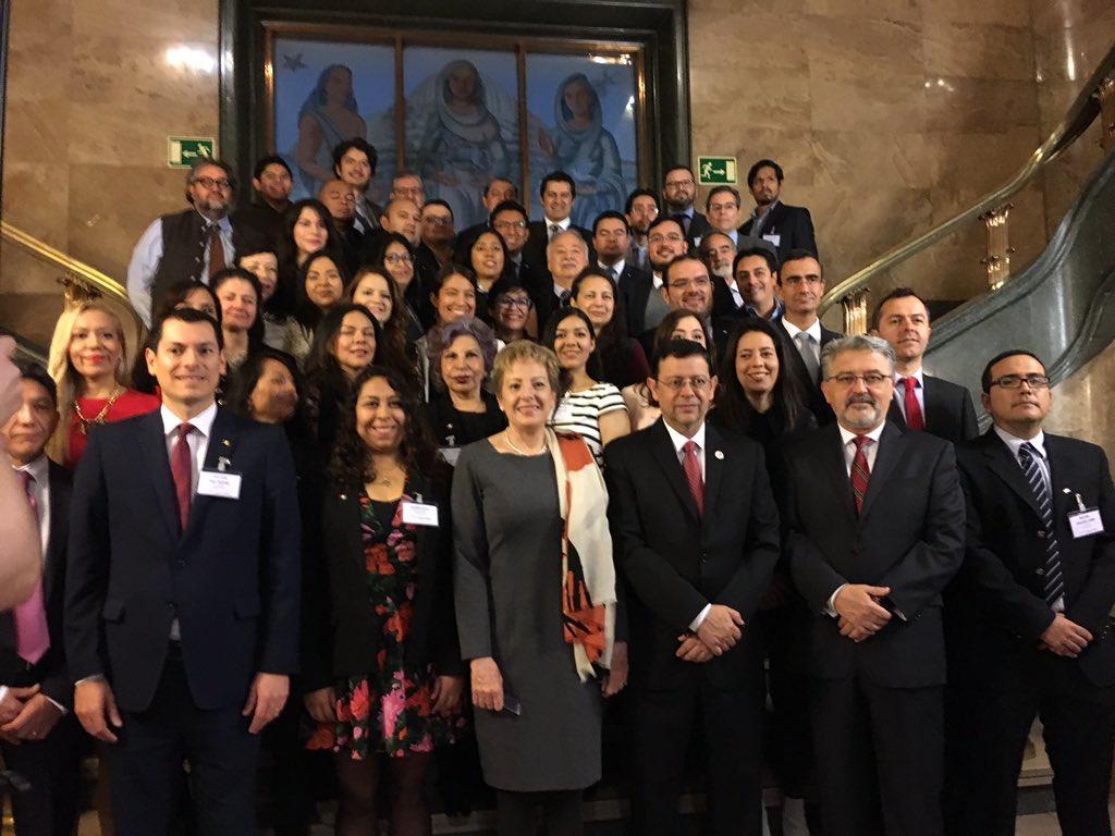 Reuni n regional europa de los cap tulos de la rgmx for Gobierno exterior