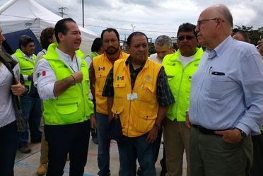 Secretario de Salud Dr. José Narro y Comisionado Federal Julio Sánchez y Tépoz recorren Juchitán