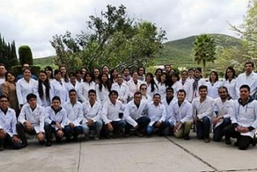 Estudiantes de la Facultad de Química de la Universidad Autónoma de San Luis Potosí, visitan las instalaciones del Centro Nacional de Metrología