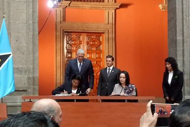 Firma de Carta de Intención de cooperación en materia artesanal