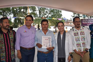 Entrega de reconocimientos a ganadores del Concurso Estatal de Artesanías Michoacán