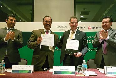 Firma de convenio ASEA y CONOCER