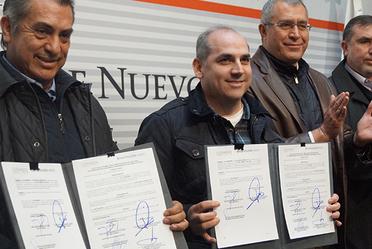 Firma del Plan Hídrico de Nuevo León 2030, entre Conagua y Gobierno del Estado, para incrementar el abasto de agua a la población.