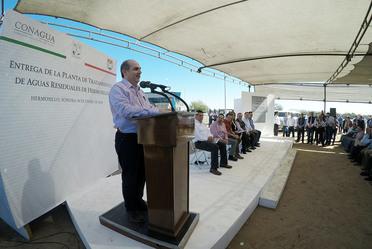 Conagua construye infraestructura para incrementar el saneamiento de las aguas residuales en México.