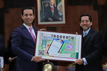 El Premio Mayor de 15 millones de pesos correspondió al billete No.06658; el segundo premio, de un millón 200 mil pesos, lo ganó el billete No. 45349